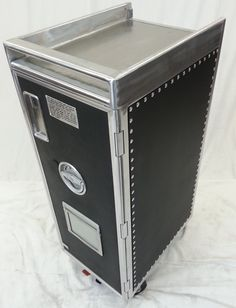 A cheaper custom galley cart to the other one posted on this board.  ($495 on eBay, $795 on Etsy, ships from Memphis, TN) (from http://aviationafterlife.com/)