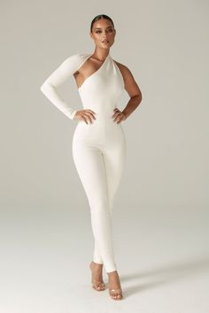Look Fashion, Fashion Outfits, Womens Fashion, White Fashion, Fall Fashion, Looks Chic, Black Jumpsuit, Dress Black, Couture