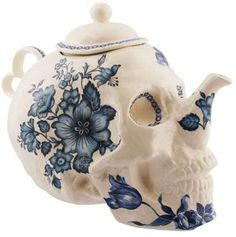 66 Terrific Teapots - From Time-Traveling Brewers to Deathly Dainty Dishware (CLUSTER)