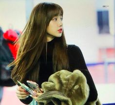 2018 #Lisa #BLACKPINK K Pop, Thailand Princess, Jennie, Blackpink Lisa, Yg Entertainment, South Korean Girls, Brown Hair, Girl Group, Hairstyle