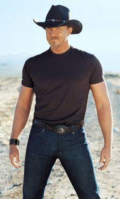 Trace Adkins. He's so hot!! Yummy!!