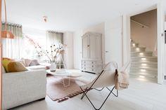 INTERIOR INSPIRATION   Upstairs zomerhuis   via @vtwonen
