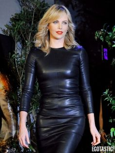 Charlize Theron Skintight Leather Dress Goes Big in Japan - Egotastic - Sexy Celebrity Gossip and Entertainment News Casual Dresses Plus Size, Tight Dresses, Formal Wear Women, Leder Outfits, Black Leather Dresses, Celebrity Dresses, Charlize Theron, Comfortable Fashion, Party Wear