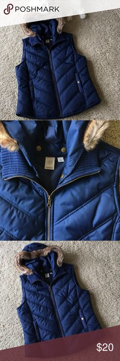 Caslon Blue Puffer Vest with Faux Fur Trim Hood. Excellent used condition! Worn only once. Two front button pockets and a removable hood. Caslon Jackets & Coats Vests