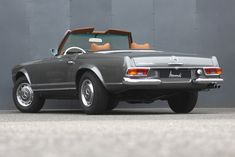 Mercedes Benz 280 SL Pagode SOLD