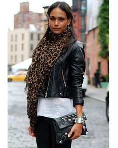 A leather jacket, leopard-print scarf and studded clutch are season essentials year after year. Mode Style, Style Me, Leopard Print Scarf, Cheetah, New York Fashion Week Street Style, Street Chic, Everyday Fashion, Passion For Fashion, Autumn Winter Fashion