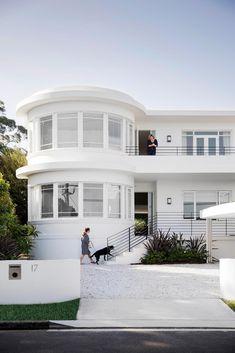 Exterior shot of a renovated, white Art Deco style home on Sydney& lower No. Exterior shot of a renovated, white Art Deco style home on Sydney& lower North Shore. Casa Art Deco, Art Deco Decor, Art Deco Design, Art Deco Art, Decoration, Art Art, Art Nouveau, Streamline Moderne, Art Deco Furniture