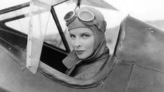 In een tijd dat de meeste actrices marionetten van de grote filmstudio's waren, stippelde Katharine Hepburn haar eigen loopbaan uit.
