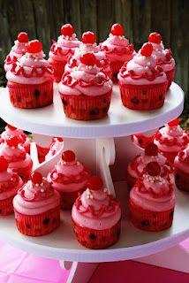 Pinkalicious cupcakes   www.sugarandsprinklesco.com