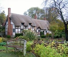 Ann Hathaway's (wife of William Shakespeare) cottage - Shottery, Warwickshire, UK Country Cottages, William Shakespeare, Places Ive Been, United Kingdom, Gazebo, Places To Visit, Ann, England, Houses