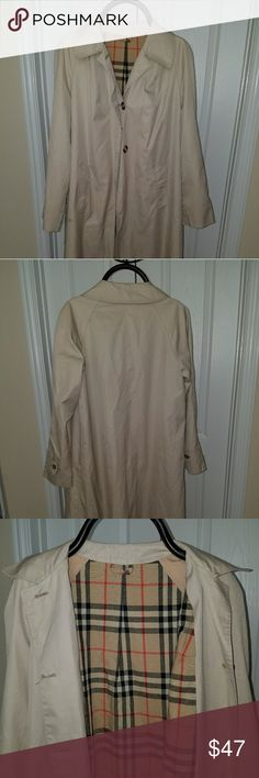 Long Coat bougt in Portugal Burberry style size L Long Coat cape bougth in Portugal Burberry style size L but fits a little big. Is great for fall temperature and the beguin if winter with a sweater. Is not water prove but doesn't get wet easy. Is long passing your knees 6 finger.  Used 5 times and keep in my closet inside a coat sac to protect it. So yes well care and ready for some love. Made in Portugal Jackets & Coats Capes