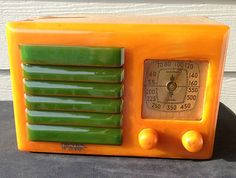 Yellow and Green Grille Fada Catalin Tube Radio