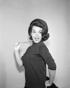 Celebrity Pictures Annette Funicello was an American actress and singer. Golden Age Of Hollywood, Classic Hollywood, Old Hollywood, Annette Funicello, Hottest Female Celebrities, Beautiful Celebrities, Beautiful Women, America Girl, Haircuts With Bangs