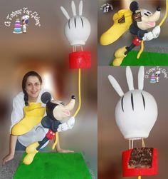 Disney Club Mickey.Triple Tier Gravity Cake