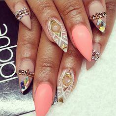 J'adore les motifs, mais la forme des ongles c'est juste pas possible pour moi #dommage#my#opinion