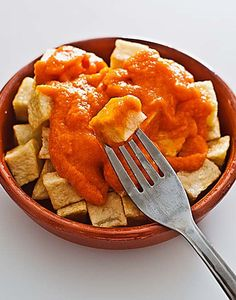 Cómo hacer salsa brava con Thermomix « Trucos de cocina Thermomix Marinade Sauce, Good Food, Yummy Food, Kitchen Dishes, Latin Food, Barbacoa, I Foods, Tasty, Snacks