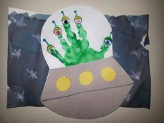 Trendy Outer Space Art Projects For Kids Rockets Space Theme Classroom, Space Theme Preschool, Space Activities, Science Activities, Daycare Crafts, Preschool Crafts, Space Theme For Toddlers, Outer Space Crafts For Kids, Alien Crafts