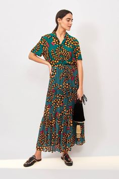 Brazilian designers + fashion brand, FARM RIO, is a clean sweep for us. I'd take their entire 2020 Fall / Winter collection. (Maybe it's my Florida roots) Their clothing is the perfect boho vacation attire, for lovers of South Beach / Brazilian style, or simply for boss babes who love fabulously bold maximalist jungle + animal prints, bold floral prints, + wild tropical patterns. Head to the blog + peek at my fave pieces. #tropicalstyle #vacationoutfit #bohotropical #anthropologie #farmrio Farm Rio, Trending Today, Tropical Style, Puffy Jacket, Fashion Brand, Fashion Design, Metallic Dress, Fall Collections, Winter Collection