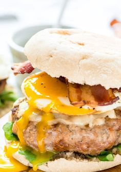 Kick up your brunch with this maple bacon breakfast burger. Juicy maple turkey patty topped with cheese, bacon and a fried egg. Served on an English muffin.