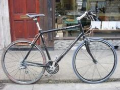 second hand bicycles, second hand bicycles in uk, second hand bicycle in London, second hand bikes f Vintage Ladies Bike, Second Hand Bicycles, Raleigh Bikes, Old Bicycle, Second Hand Shop, Bikes For Sale, Bar, Two Hands, Road Bike