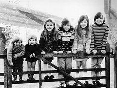 ralphfiennes5: (справа налево) Ральф Файнс Джозеф Файнс, Марта Файнс, Магнус Файнс, Софи Файнс, Якоб Файнс