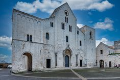 Bari, Mansions, House Styles, Italia, Manor Houses, Villas, Mansion, Palaces, Mansion Houses