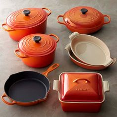 Williams Sonoma features a variety of cookware sets from All-Clad, Le Creuset and Calphalon in several different sizes, counts and finishes. Also, choose from our collection of pots and pans sets and pan sets in every popular material. Le Creuset Cast Iron, Le Creuset Cookware, Cast Iron Cookware, Cookware Set, Kitchen Items, Kitchen Utensils, Kitchen Decor, Iron Pergola, Pots And Pans Sets