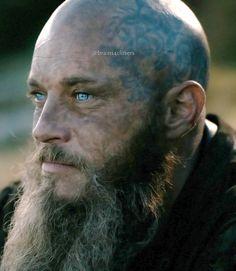 Ragnar Lothbrok Vikings, Vikings Travis Fimmel, Viking Series, Viking Warrior, Riyadh, Emilia Clarke, God Of War, Bearded Men, Warriors