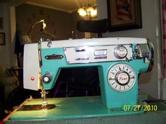 Bellecraft.  I love these old machines that look like a 50's Chevy dashboard!