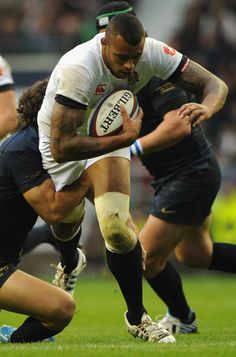 England's Courtney Lawes drives forward v. Rugby League, Rugby Players, Rugby Time, English Rugby, Rugby News, Feel Good Friday, Super Rugby, Fitness Inspiration, Workout Inspiration