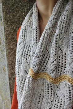 Esther likes - dark grey with red. Ravelry: Tonic Water pattern by Thea Colman