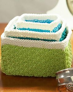 Free Knitting Patterns for these Nesting Baskets! to decline in all colors of the rainbow!