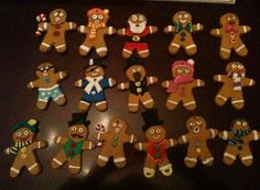 slat dough gingerbread men for the christmas tree