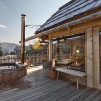 Exklusiver Zweitwohnsitz im Almdorf Seinerzeit - Chalet Deluxe Paradise Pools, Pine Bedroom, Village Hotel, Spa Hotel, Hotels, Farm Stay, Wooden Cabins, Cool Pools, Great View