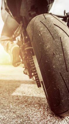 Rear Street Racing Sports Bike - Why We Love It! – Rear Street Racing Sports Bike – Why We Love It! Gp Moto, Moto Bike, Motorcycle Bike, Racing Bike, Motorcycle Quotes, Auto Racing, Bike Pic, Bike Photoshoot, Motorcycle Wallpaper