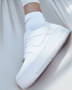 189 Best SHOEZ images in 2020 Me too sko, søte sko  Me too shoes, Cute shoes