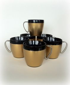 Mid Century Modern insulated coffee mugs.