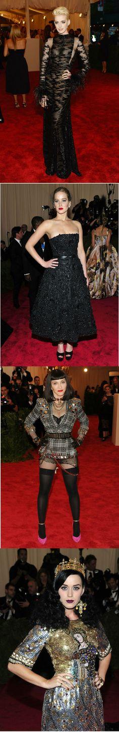 En la gala del MET. La ganadora del Oscar, Anne Hathaway, en un Valentino de encaje y plumas que deja poco a la imaginación. AFP, Jennifer Lawrence, enfundada en Dior muy al estilo de los 50s.  AP, De estoperoles, Madonna hizo gala del estilo fashion punk con Givenchy. AP; La cantante Katy Perry con un look de Dolce, con corona y todo, también fuera del estilo punk protagonista en la noche. AP