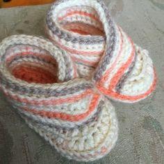 Crochet Abbreviations, Basic Crochet Stitches, Crochet Basics, Easy Crochet Patterns, Knitting Patterns, Crochet Baby Sandals, Crochet Shoes, Baby Shoes Pattern, Baby Patterns