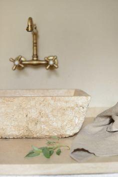 21 Best Lavabi da cucina in pietra images | Travertine, Farmhouse ...
