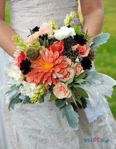 Bukiet ślubny z białych kwiatów