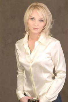 White Satin Blouse, Satin Shirt, Satin Top, Silk Satin, Sexy Blouse, Blouse And Skirt, Collar Blouse, Satin Bluse, Pretty Shirts