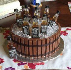 diy birthday cake for men husband Jack Daniels KitKat barrel cake Jack Daniels Torte, Festa Jack Daniels, Jack Daniels Birthday, Jack Daniels Cupcakes, Jack Daniels Gifts, Birthday Cake For Him, Birthday Cakes For Men, Mens 40th Birthday Cake, 21st Birthday Ideas For Guys