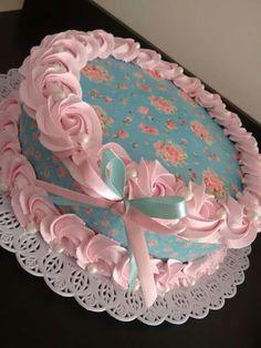 Bolos confeitados Buttercream Cake Designs, Cake Icing, Cupcake Cakes, Elegant Birthday Cakes, Birthday Cake Girls, Cake Decorating Techniques, Cake Decorating Tutorials, Fancy Cakes, Cute Cakes