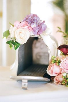 wedding mailbox to collect cards / http://www.himisspuff.com/mailbox-wedding-decor-ideas/9/