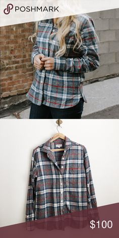 Tradlands flannel buttondown size medium Worn twice and washed. Excellent condition. Tradlands Tops Button Down Shirts