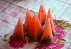 Today in the studio Watermelon candles and candle CHEESE;), but rather how to do it.  http://teamcreative.ru/blog/figyrnyesvechi  Сегодня в студии Арбузные свечки и свечка СЫР ;), а вернее как их сделать.  http://teamcreative.ru/blog/figyrnyesvechi