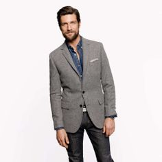 Love the J.Crew Ludlow elbow-patch sportcoat in Colburn English tweed on Wantering   $278   sale price   Boxing Week for Him   mens grey sportcoat   mens blazer   menswear   mens style   mens fashion   wantering http://www.wantering.com/mens-clothing-item/ludlow-elbow-patch-sportcoat-in-colburn-english-tweed/mQL9vc/