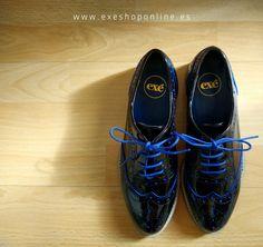 Cenicienta es la prueba de que un par de zapatos pueden cambiarte la vida… ¿A qué esperas para cambiar?>> Zapato Oxford azul  *Disponible en más colores