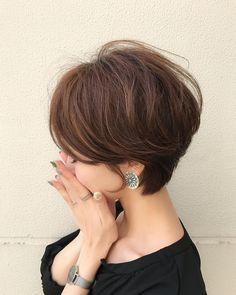 """2,809 Likes, 18 Comments - Yuri (@yuricookie) on Instagram: """"・ ・ シルバーメタルのイヤリング earring/ @soeur.du グレーっぽいマーブルの楕円の輪っかのパーツがかわいくて♡それにシルバーのパーツの組み合わせが涼しげでいいなぁ♡ ・ ・…"""""""